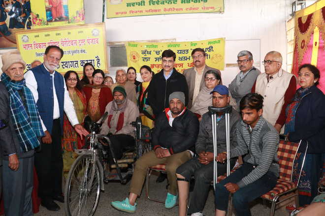 32 amputees get artificial limbs in medical camp