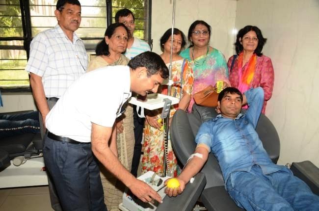 विश्व थैलीसीमिया दिवस पर समर्पण ने लगाया रक्तदान शिविर – 50 यूनिट रक्त एकत्रित किया गया