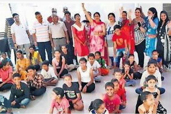 5 दिवसीय समर कैंप – झुग्गी-झोंपड़ी में रहने वाले बच्चों  के लिए