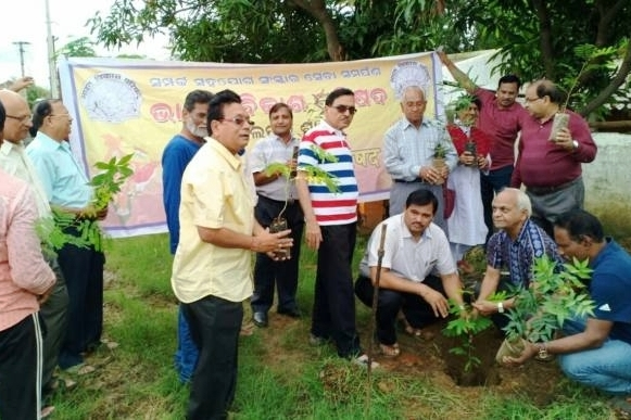 गांव गांव में भारत विकास परिषद का पौधरोपण