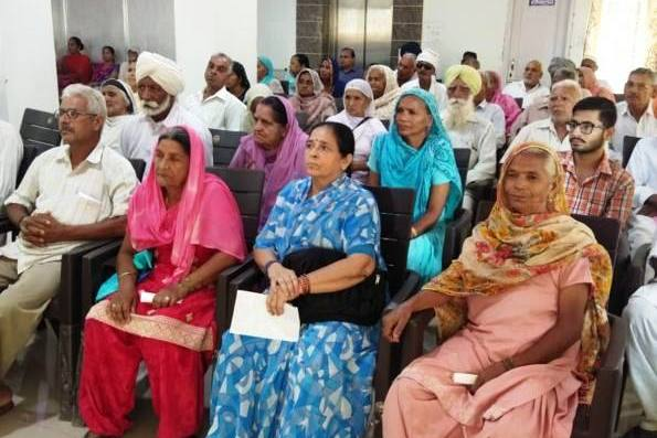 मोतिया बिद मुक्त अंबाला अभियान में 102 मरीजों कीआंखें चेकअप –  अब तक 1300 ऑपरेशन