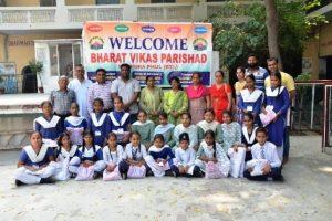 जरूरतमंद परिवारों के मेधावी विद्यार्थियों को सर्द ऋतु की वर्दी वितरित