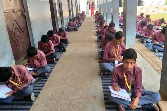 भारत को जानो प्रतियोगिता के प्रथम चरण में लिखित परीक्षा