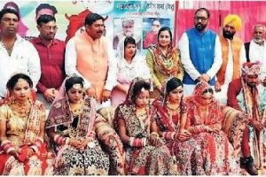 11 गरीब कन्याओं का सामूहिक विवाह का आयोजन किया