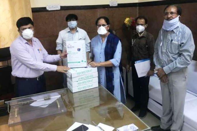 चिकित्सकों व अन्य कर्मियों की सुरक्षा के लिए 101 पीपीई किट दिए