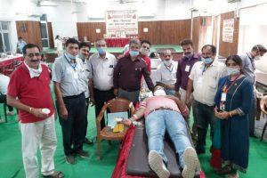 रक्तदान शिविर  में 79 यूनिट रक्त एकत्रित किया गया