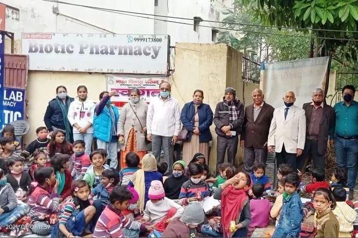 परिषद शाखा द्वारा बच्चों को भोजन वितरण का 286वा दिन
