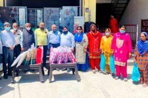 निर्धन परिवारों की  चार बेटियों को विवाह सामान भेंट किया